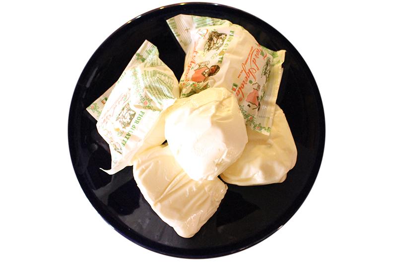 Pane dell'anno 1000-pane-ingredienti-fior di latte di agerola